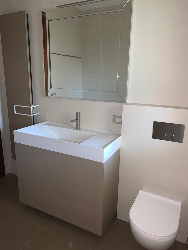 Cambio look al bagno - Mobile porta lavabo Dogma di Aqua Ideagroup